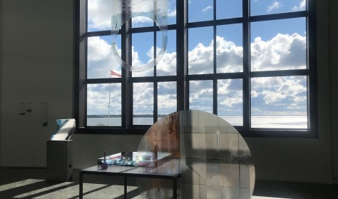 Historier mellem glasbilleder / Palo Macho