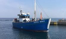 Familiefisketur på fjorden med fiskekutter