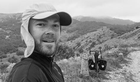 Mad før foredrag: Peter Alsted: På cykeltur med 100 års mellemrum