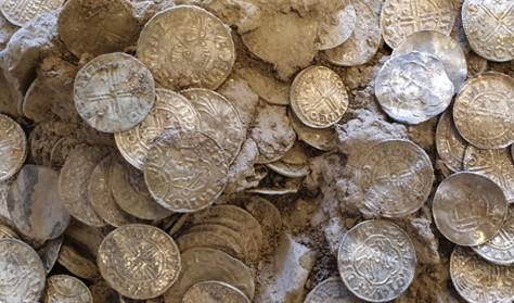 Se sølvskatten med over 600 sølvmønter på Sorø Museum